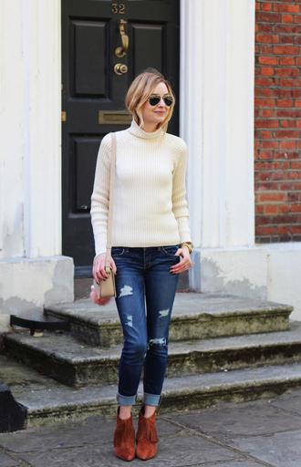cocos tea party blogger sweater jeans shoes bag sunglasses