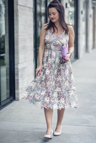 live more beautifully blogger dress bag jewels sunglasses shoes lace dress clutch pumps spring outfits