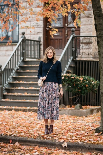 see jane blogger skirt sweater shoes bag make-up midi skirt floral midi skirt crossbody bag ankle boots fall outfits thanksgiving outfit