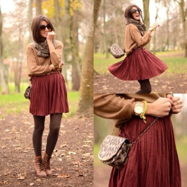 Skirt: dark red - Wheretoget