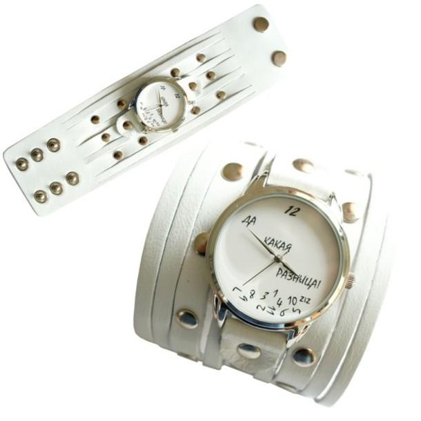 Кварцевые наручные часы с широким кожаным ремешком-напульсником и оригинальным рисунком на циферблате от киевской