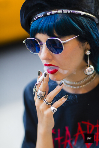 jewels tumblr blue sunglasses sunglasses ring silver ring necklace choker necklace earrings hat red lipstick lipstick