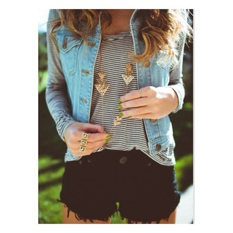 jacket vest denim vest denim denim jacket blue jean jacket blue jeans sleeveless jacket sleeveless denim jacket shorts jewels shirt