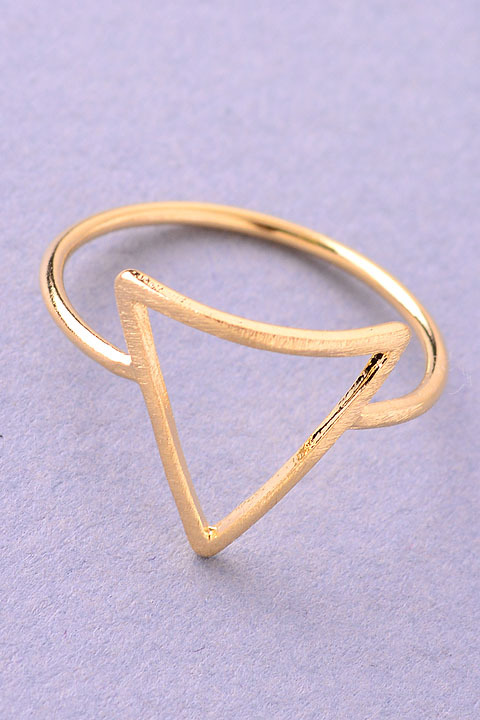 Dainty outlined triangle ring