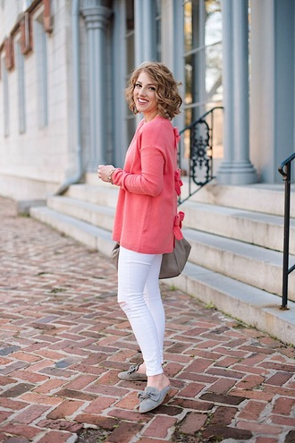 something delightful blogger sweater shoes pink sweater loafers white pants