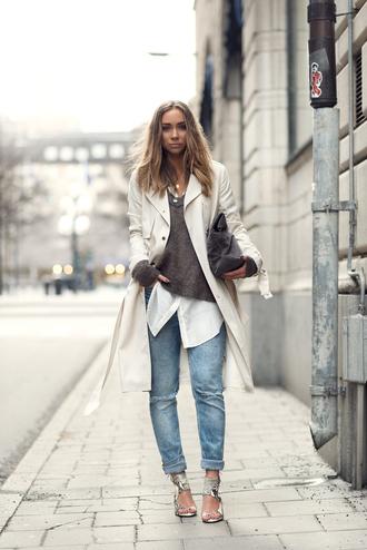 lisa olsson blogger jeans sweater shoes shirt bag