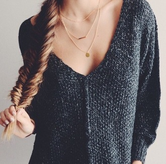 sweater knitted sweater knitwear pullover grey sweater grey sweatpants grey black top top black sweater jewels gold necklace necklace chain jewelry winter sweater winter outfits shirt cute trendy