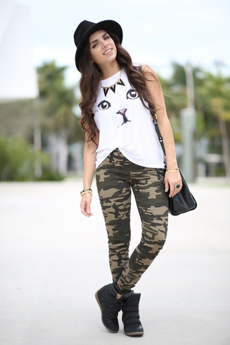 nany's klozet pants t-shirt shoes hat jewels