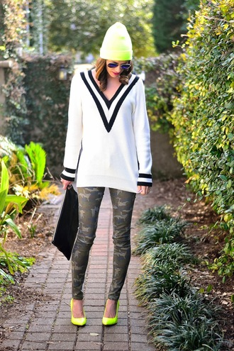 book of leisure blogger sweater camo pants v neck lime shoes hat bag