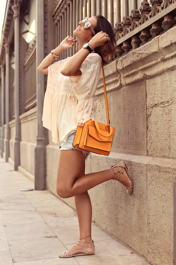 style in lima t-shirt shorts shoes sunglasses jewels