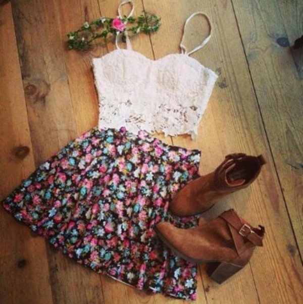 skirt floral skirt white lace crop top tank top