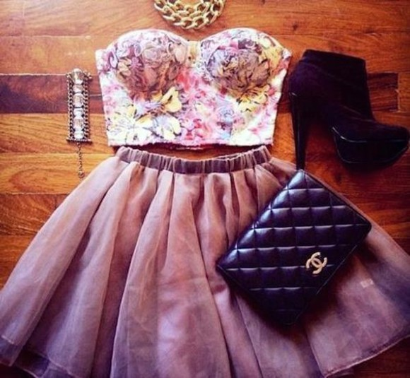 dress black bag bandeau floral bandeau black boots silver jewelry chain necklace dusty rose vans, floral, indie, hippie, hipster, grunge, shoes, girly, tomboy, skater all cute outfits chanel clutch bag