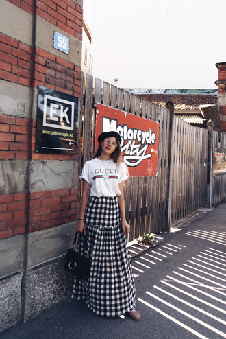 skirt maxi skirt gingham skirt t-shirt hat blogger blogger style gucci t-shirt graphic tee shoulder bag ballet flats