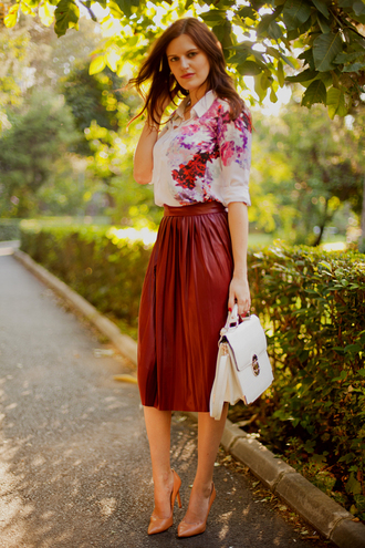 the bow-tie blouse skirt bag shoes