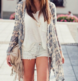 blouse jacket jewels shorts bag sweater cardigan light blue denim shorts lace detailed jean shorts low rise denim shorts white tank top comfy knitted cropped shirt pocket t-shirt kimono blue beige fringe kimono boho summer outfits style cute fashion brown bag loose