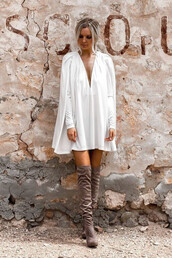 dress,cape dress,pleated sleeve dress,pleated,mini dres,boho dress,white boho dress,white dress,white long sleeve dress,long sleeve dress,plunge dress,sexy plunge dress,plunge v neck