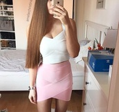 skirt,mini skirt,sexy skirt,pink,pink skirt,pastel pink,light pink,top,crop tops,white crop tops,white,white top,sexy,sexy outfit,outfit,outfit idea,summer outfits,party,party outfits