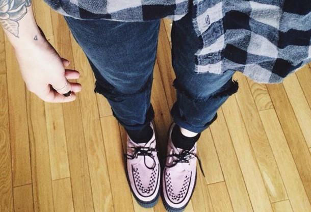 shoes black pink and black oxfords pink shoes blouse chemise à carreaux black jacket noir  et blanc chemise noire carreau chemise