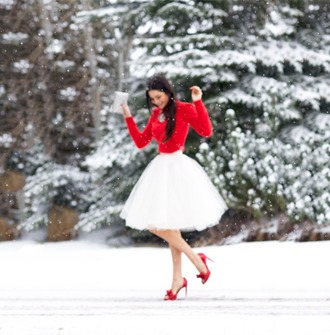 skirt white skirt red sweater red heels red shoes snow red nails pochette sparkles