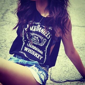 t-shirt jack daniel's whiskey tennessee shirt black shirt shorts denim shorts jacket black white print jack daniels shirt black and white print top muscle tee blouse tank top jack black t-shirt top jack daniels tank top black jack daniels ripped jean shorts skirt sunglasses