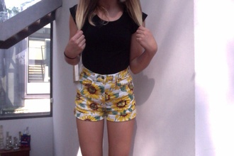 flowers yellow flowered shorts floral tumblr shorts tumblr outfit hipster hipster shorts