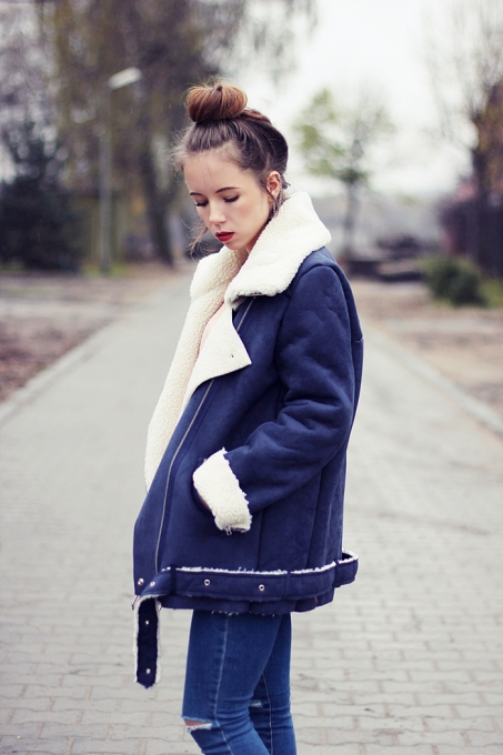 Blue Lapel Long Sleeve Zipper Pockets Coat - Sheinside.com