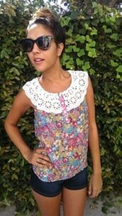 top,floral top,crochet,smocked top,eyelet trim,sleeveless top,www.ustrendy.com