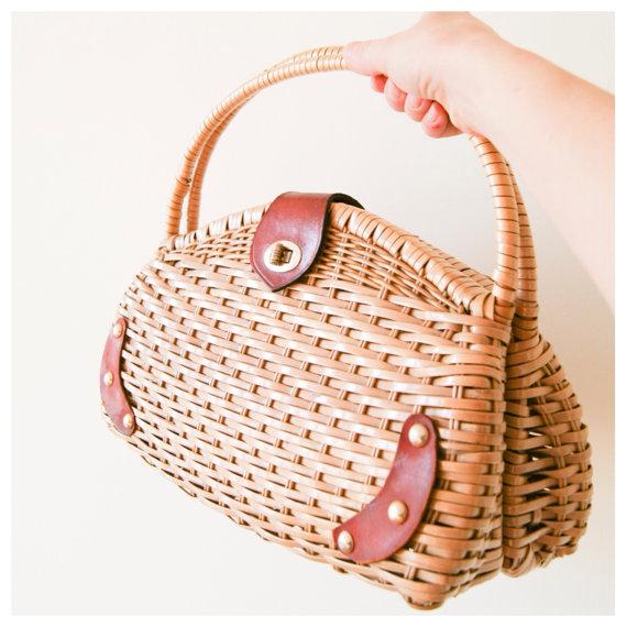 Wicker Handbag. Vintage 60s Basket Purse. by NewOldFashionVintage