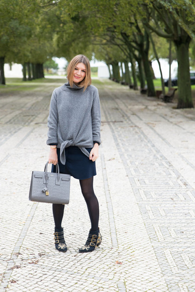 bag buckles blogger black boots top jewels the working girl grey sweater