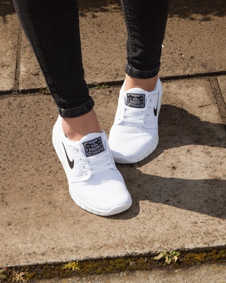 shoes nike sneakers white sneakers