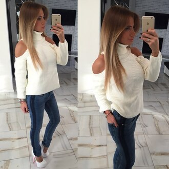 sweater cute sweatshirt tumblr outfit tumblr girl tumblr clothes outfit outfit idea fall outfits winter outfits cut-out cut-out shoulder top denim jeans off the shoulder sweater selfie off the shoulder