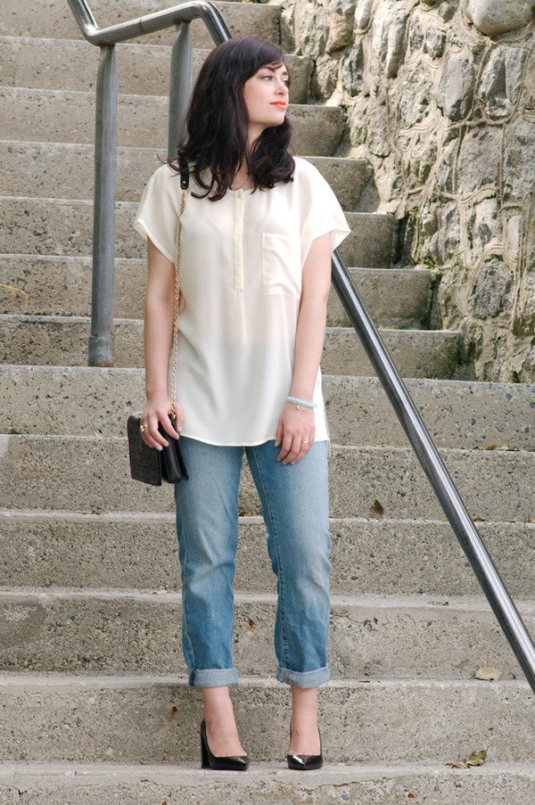 coco and vera blouse jeans shoes bag jewels