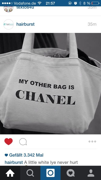 bag white bag black auf white black and white chanel bag my other bag is chanel