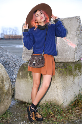 xander vintage blogger sweater rust creepers tiger print blue