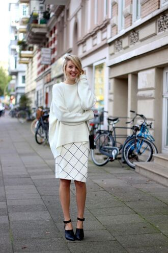 sweater white oversized sweater white checkered skirt black heels blogger