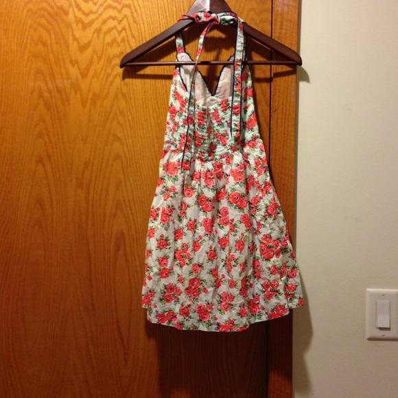 Hollister floral dress from tingting's closet on poshmark