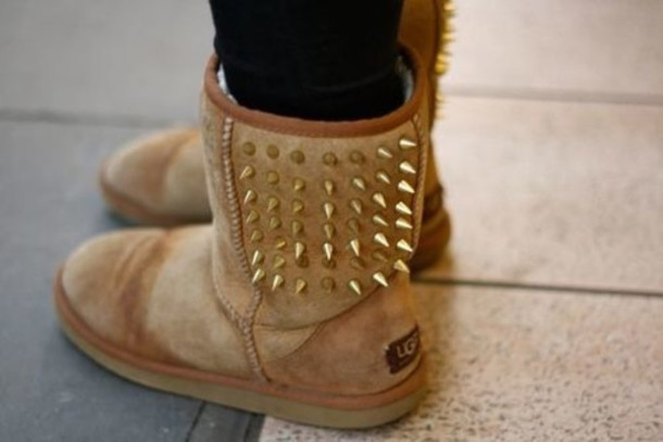 shoes, ugg boots, studs, brown shoes, ugg boots, boots, spikes, ugg boots, ugg boots, clout?, brown, studded shoes - Wheretoget