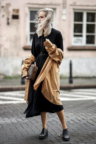 coat skirt tumblr trench coat camel camel coat midi skirt black skirt top black top shoes black shoes bag