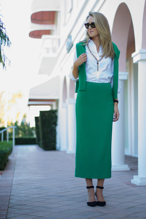 the classy cubicle skirt sweater shirt jewels shoes sunglasses