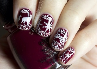 nail polish christmas christmas nails burgundy burgundy nails burgundy nail polish white white nails cute