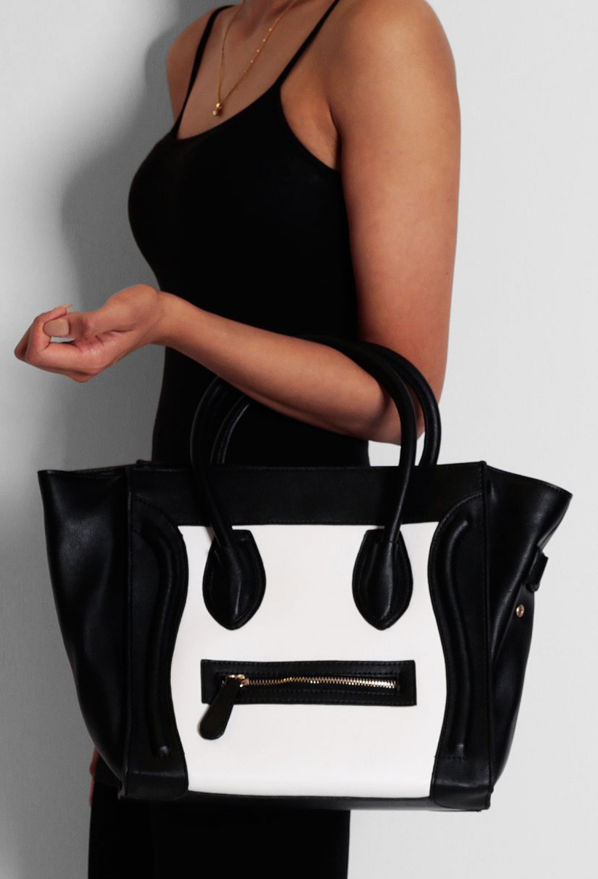Alperton Black and White Panel Handbag | Pink Boutique