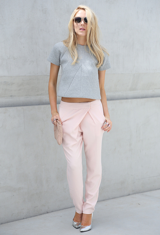 bag shoes jewels t-shirt pants sunglasses cheyenne meets chanel pink pants