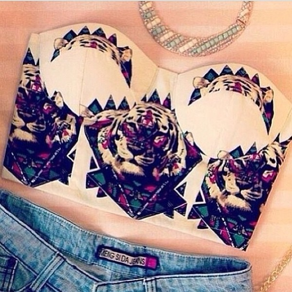 tank top white tiger print bustier crop tops blouse tiger jacket bralette shirt underwear lionprint tribal colors bustier top lion t-shirt white crop tops tube top tube t jewels shorts triangles mid drift summer cute prefect neutral purple necklace teal teal and neutral teal necklace bandeau swag