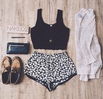 shorts flowered shorts bralette crop tops black floral