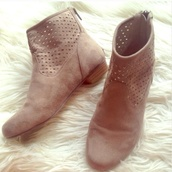 boots,booties shoes,booties fringe,ankle boots,taupe,taupe heels,taupe booties,taupe boots,taupe suede ankle boots,taupe pumps,heels,heel boots,Boots with Heels,boots with cutouts