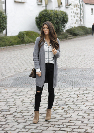 seekingsunshine blogger top sweater jeans shoes louis vuitton bag cardigan grey cardigan ankle boots black jeans