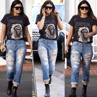 kylie jenner yeezus tour yeezy 77 kanye west jeans