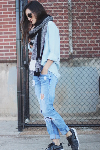 frankie hearts fashion blogger scarf shirt jeans shoes
