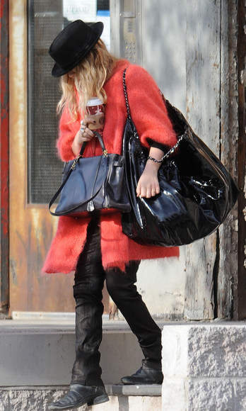 mary kate olsen olsen sisters fall outfits coat