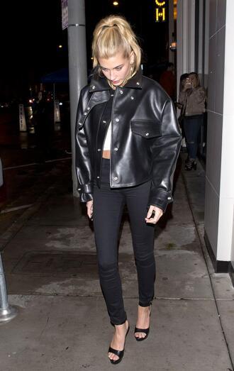 jacket pants jeans model off-duty hailey baldwin biker jacket crop tops